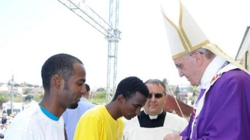 """Appello """"Il Papa fermi le stragi in mare e apra dei canali umanitari"""" su Change.org"""