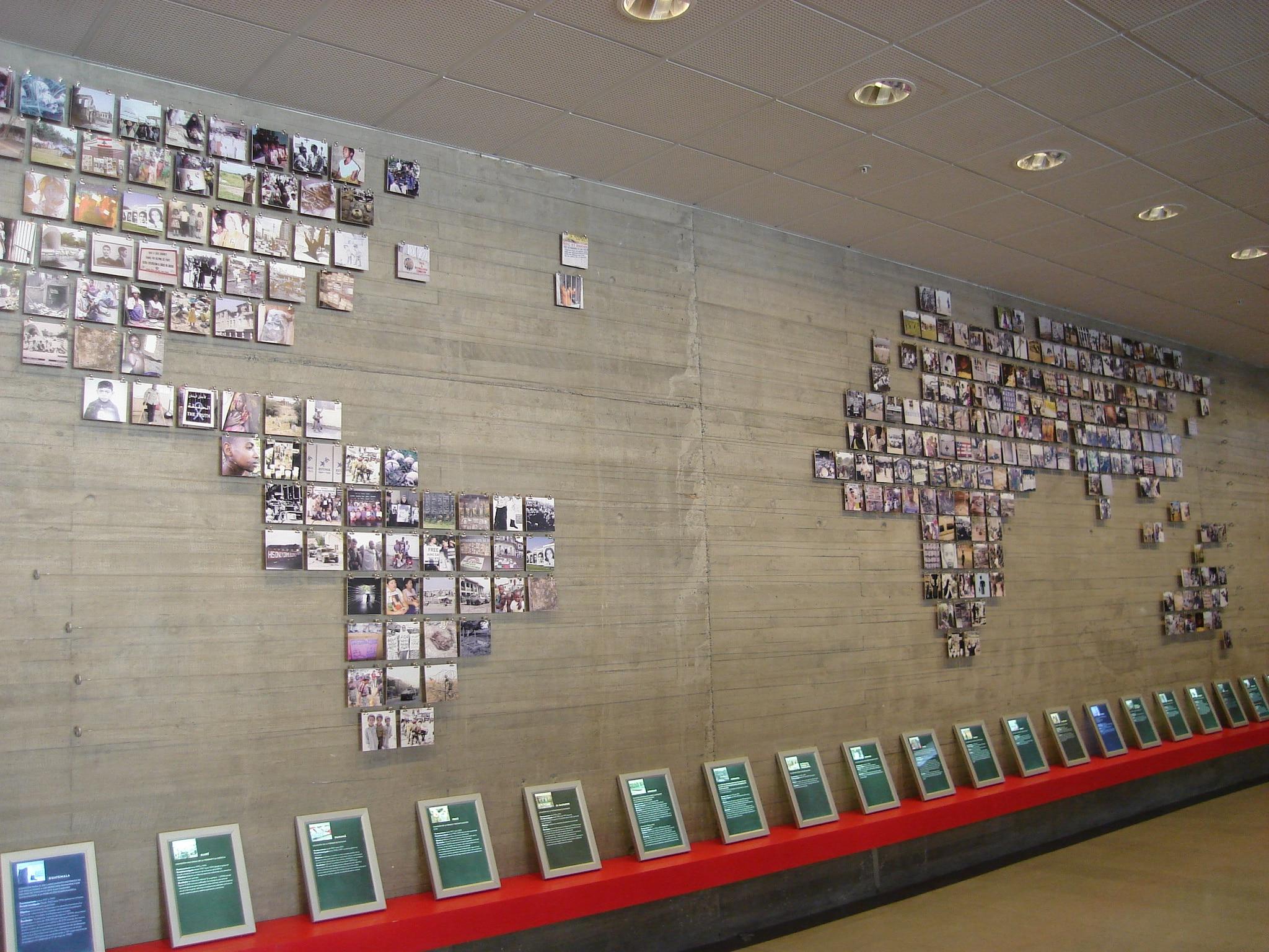 La mappa raccoglie tutte le Commissioni per la Verità e Riconciliazione, Museum of Memory and Human Rights, Santiago, Cile. Foto su Wikipedia in CC.