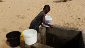 Bambina del villaggio di Aflasco, Ghana. Foto di Antonella Sinopoli.