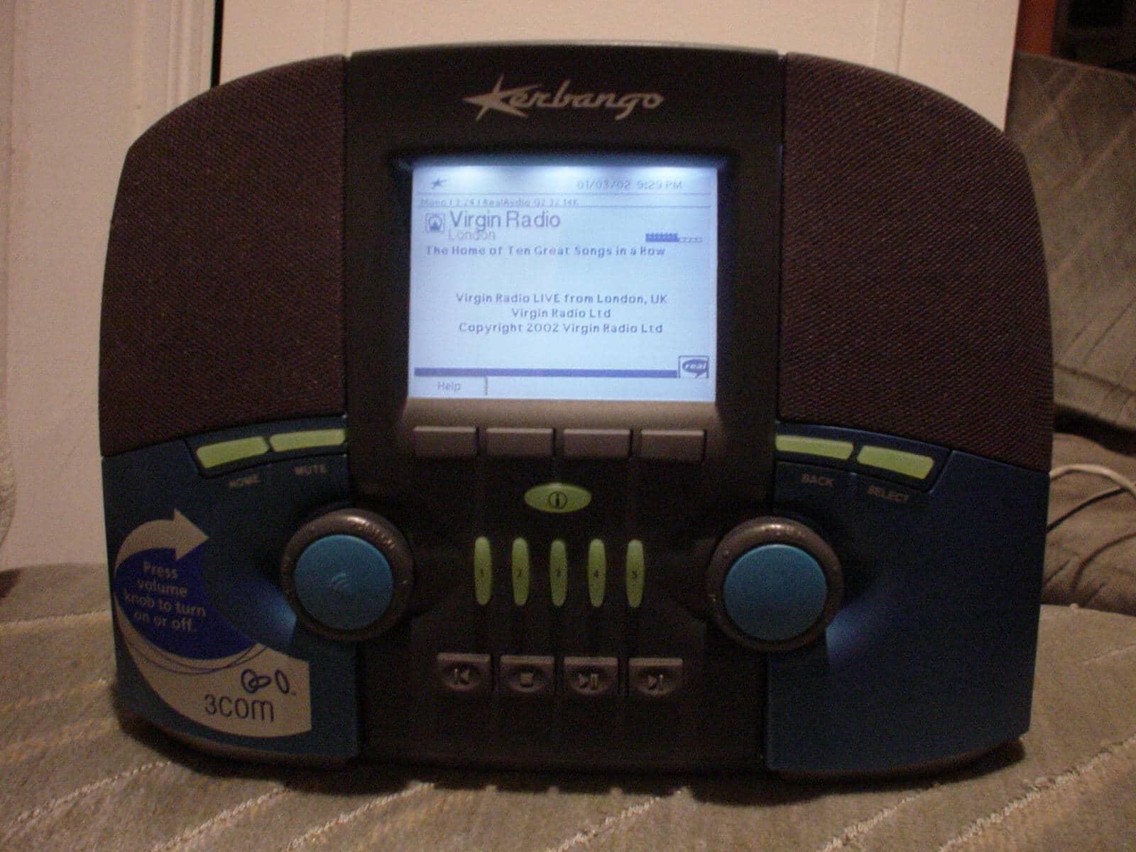 Kerbango, la prima radio internet, primi anni 2000. Foto in CC da Wikimedia Commons.