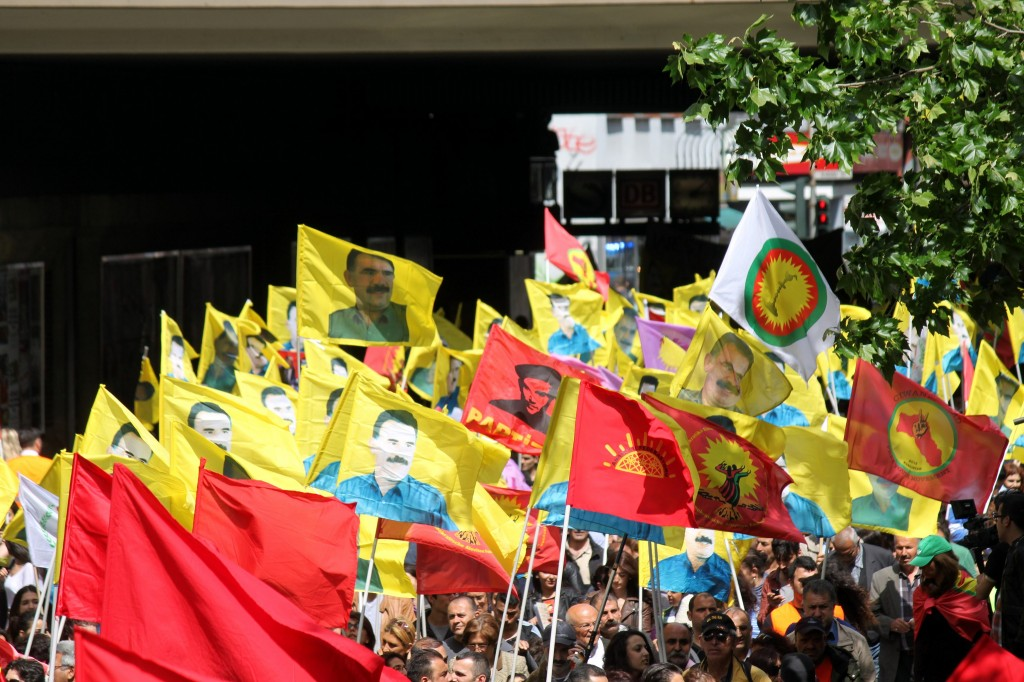Dimostrazione filo-curda a Colonia, 1 dicembre 2013, foto di strassenstriche.net su Flickr