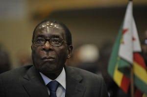 Il presidente dello Zimbabwe Robert Mugabe, foto di pubblico dominio su Wiki Commons.