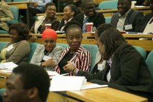 Studenti di economia aziendale e bancaria, foto di Lucy-Lamb su Flickr, licenza CC.