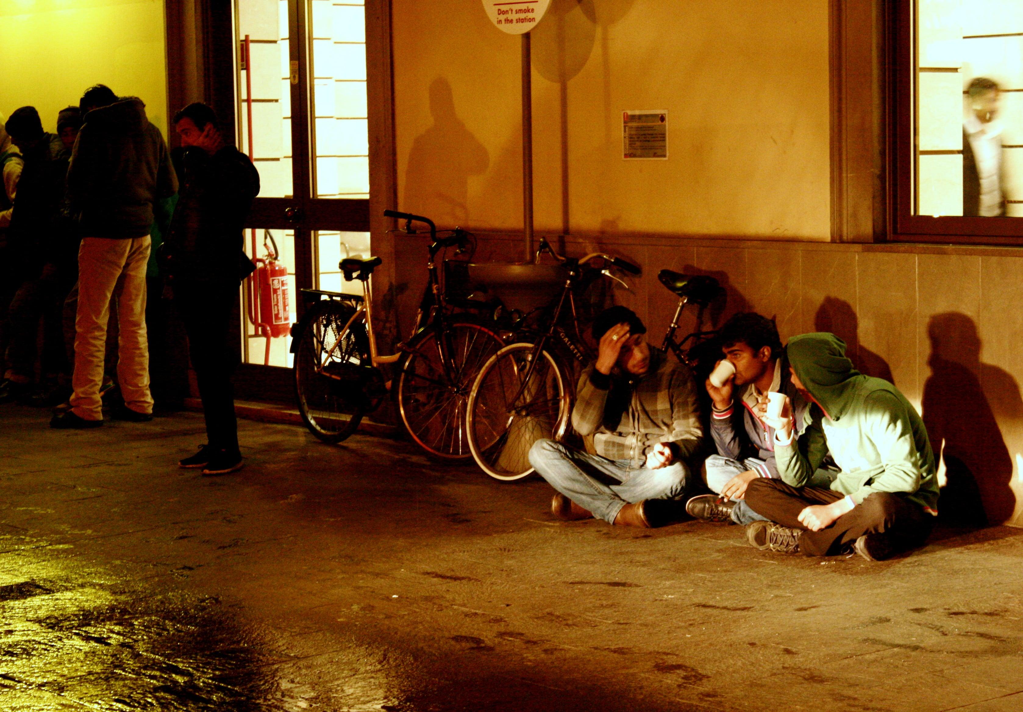 Migranti stazione di Udine 1