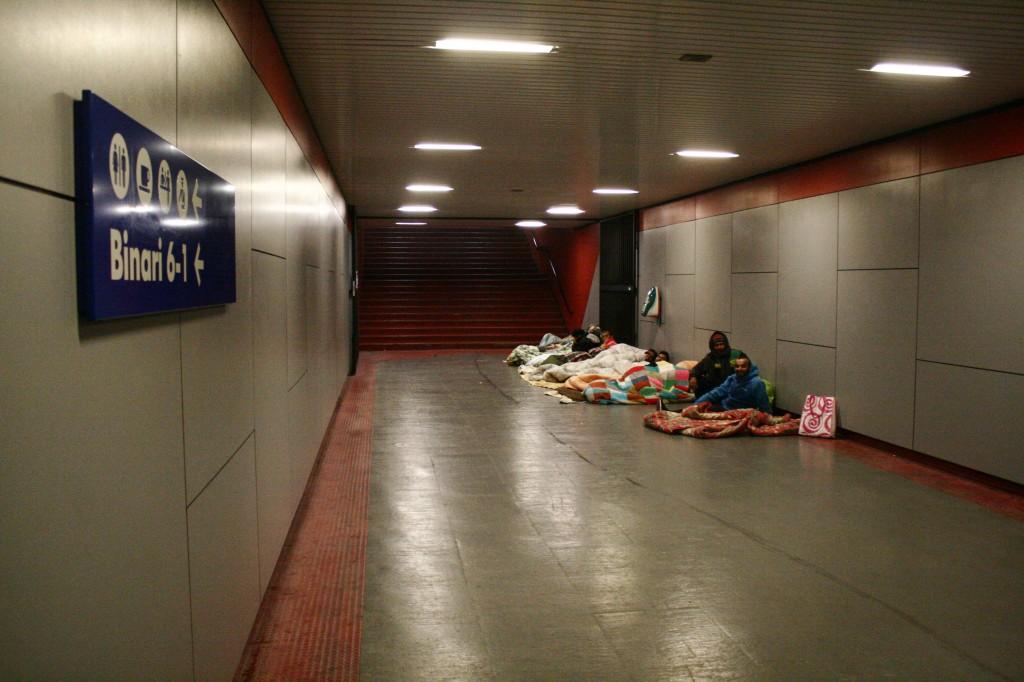 Migranti stazione Udine 4