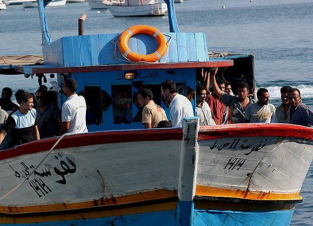 Sono 244 milioni i migranti nel mondo. Foto flickr Noborder Network CC BY 2.0