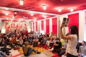 """Ingi Mehus presenta il progetto """"Pocket stories"""""""