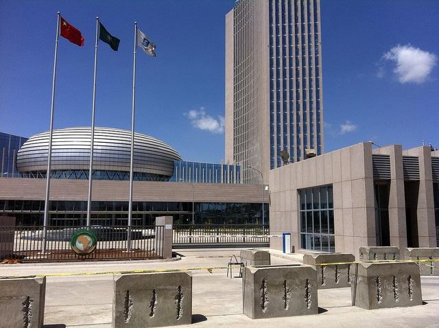Il Quartier Generale dell'Unione africana, l'organizzazione degli Stati africani che ha sede ad Addis Abeba, Etiopia. Foto hiroo yamagata CC Flikr