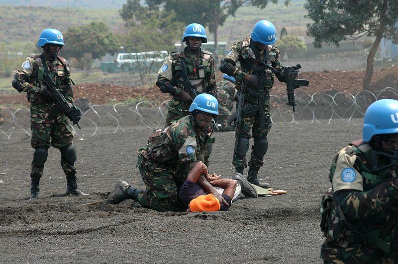 Forze di intervento MONUSCO impegnate in un'esercitazione, Congo 2013, Wikimedia Commons.