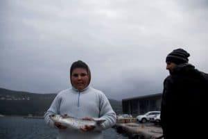 Anmar, 15enne iracheno, vive da alcuni mesi nell'isola di Samo in attesa di scoprire dove lo porterà il destino, o le politica europea. / Credits: Dimitris Tosidis