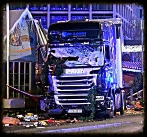 Foto Flickr dell'utente Karl-Ludwig Poggemann.Camion utilizzato per l'attacco terroristico ai Mercatini di Natale di Berlino. Licenza CC.
