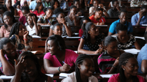 Lezione di Scienze Politiche all'Università del Ghana, Accra, foto di World Bank su Flickr, licenza CC