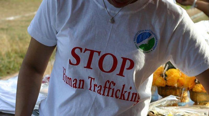 Fermiamo il traffico di esseri umani