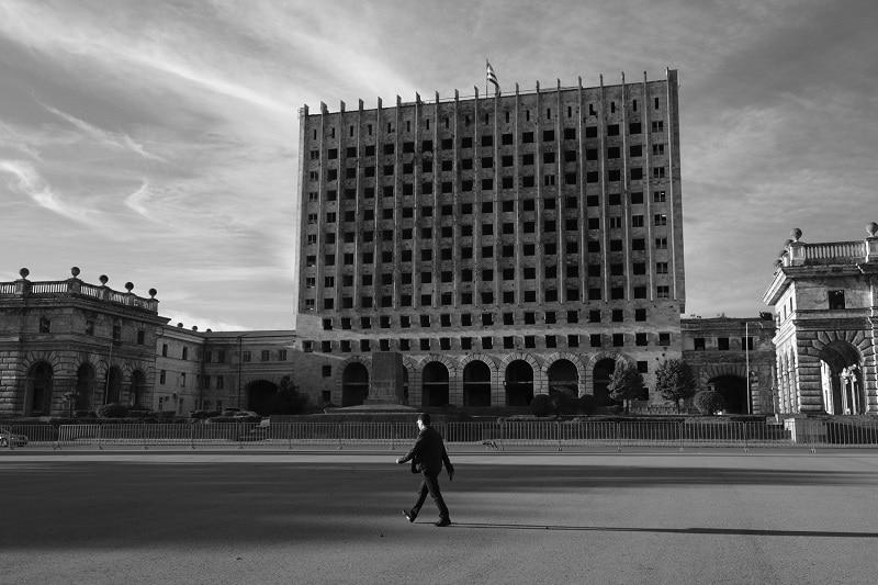 Sukhumi, rovine del palazzo presidenziale
