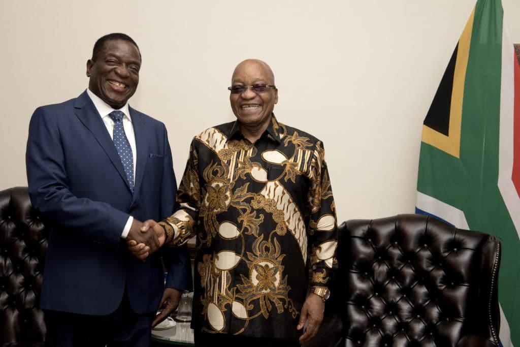 Incontro tra il presidente Jacob Zuma e Emmerson Mnangagwa. Foto Flickr dell'utente GovernmentZA