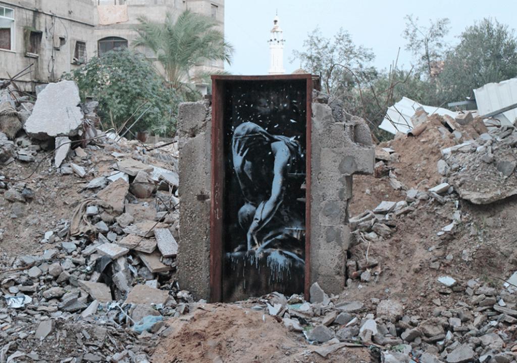 """Bomb Damage"", opera realizzata a Gaza dall'artista e writer inglese Bansky"