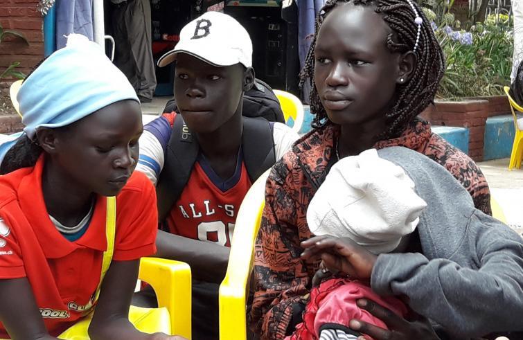 Profughi arrivati con corridoi umanitari- Foto da Pagina Twitter OnuItaliaProfughi arrivati con corridoi umanitari- Foto da Pagina Twitter OnuItalia