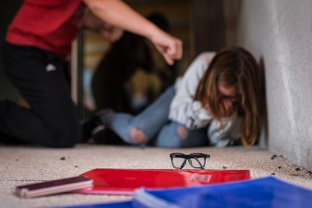 Violenza fisica a scuola. Flickr Creative Commons - Tiomax80