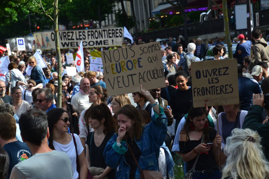 Protesta in Francia contro le frontiere chiuse. Foto di Jeanne Manjoulet - Flickr Creative Commons