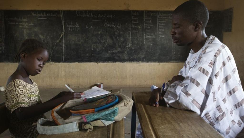 La diversità linguistica passa per l'insegnamento. Una scuola in Mali. AFP/Joel Saget.