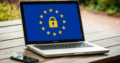 Christian Rocca, regolamentare Internet per salvare la società