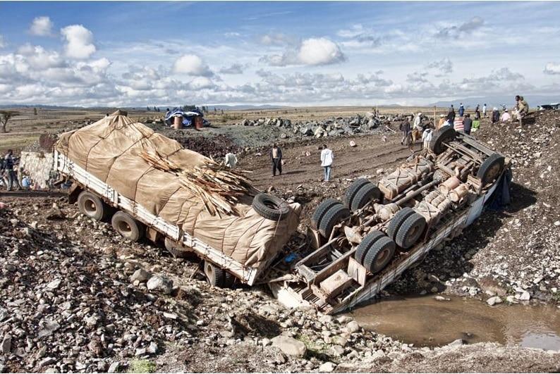 Un camion coinvolto in un altro incidente stradale in Etiopia. Immagine ripresa da ripresa da Flickr/gilus_pl in licenza CC. Alcuni diritti riservati