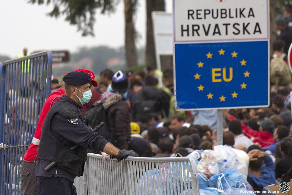 Profughi al confine serbo-croato. Foto Flickr Creative Commons - Fotomovimiento