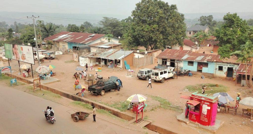 Una strada di Kikwit, capitale della provincia di Kwilu.
