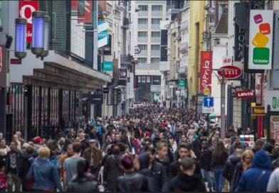 Popolazione mondiale in aumento o in calo? Stime e incertezze