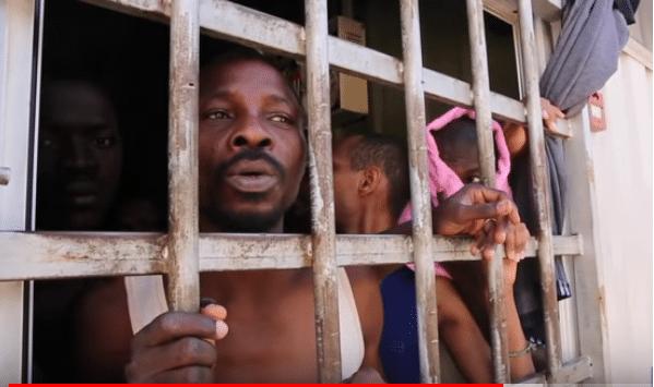 France 24 - Migrante nelle prigioni libiche