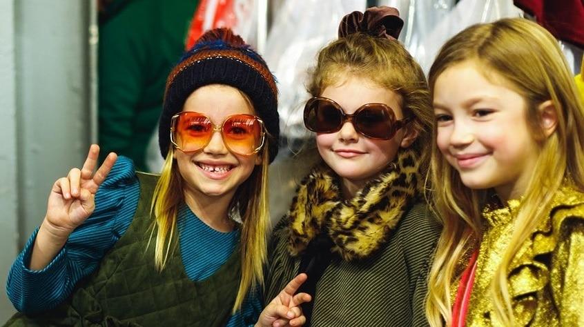 Bambine italiane pronte a sfilare a Pitti Bimbo, Foto dalla pagina ufficiale Facebook Pitti