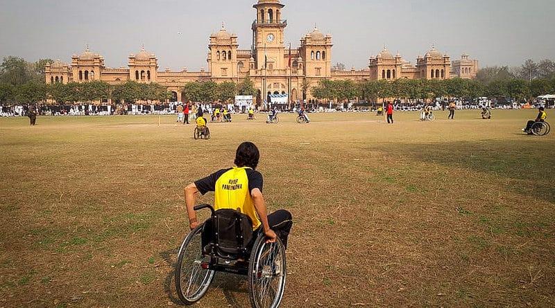 Foto dell'utente flickr Teseum su licenza CC, Peshawar, Pakistan.