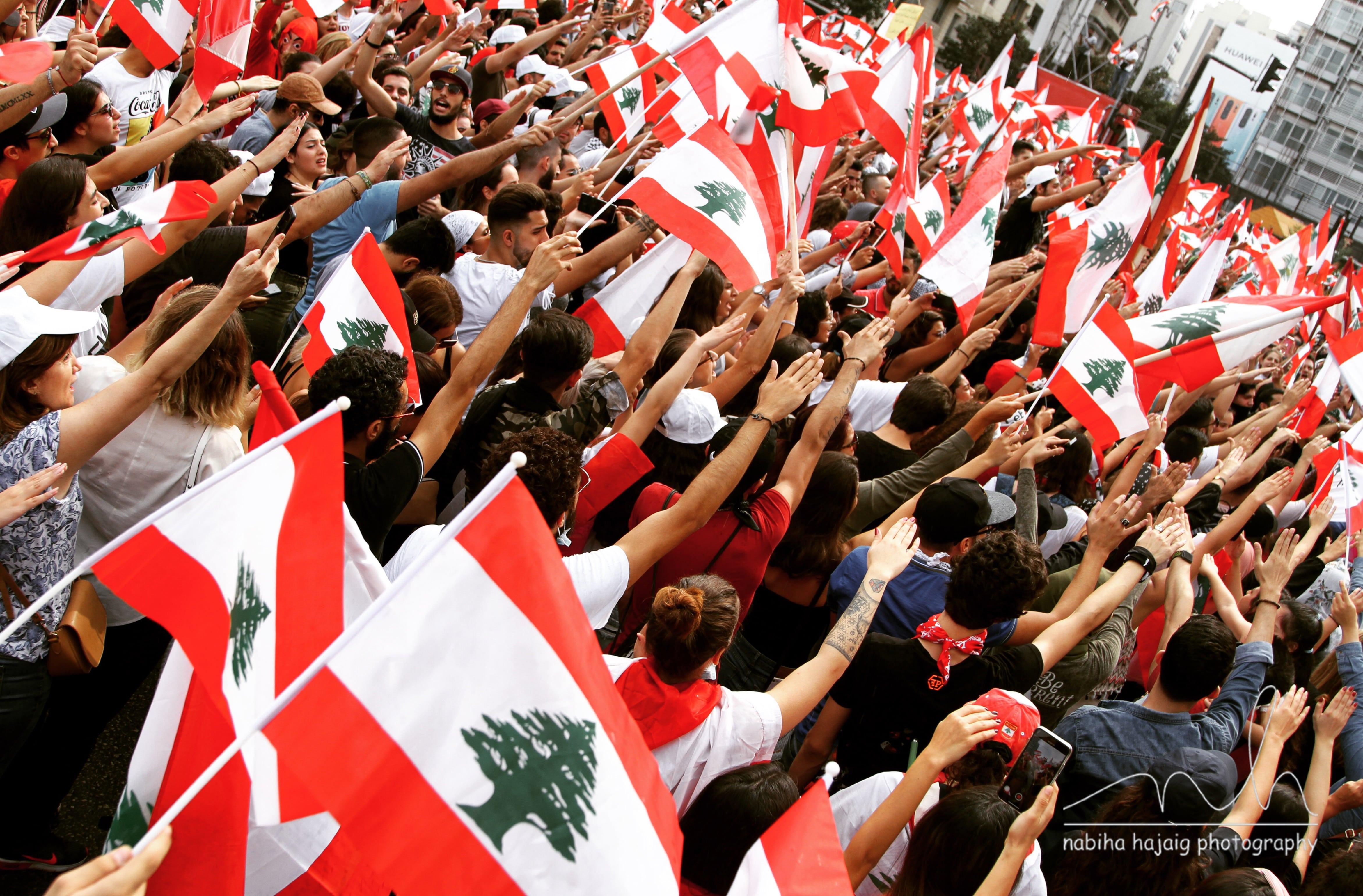 Proteste del 2019 a Beirut. Flickr/Nabiha Hajaig in licenza CC