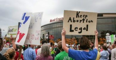 Aborto, dalle proteste in Polonia al divieto assoluto di Malta