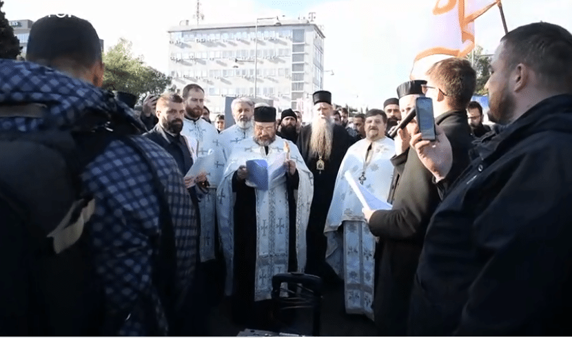 Sacerdoti ortodossi nelle proteste