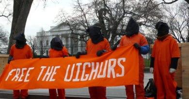 """Cina, Uiguri oppressi in nome di una strana """"guerra al terrore"""""""