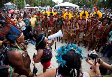 Amazzonia, la lotta dei nativi per proteggerla dalla distruzione