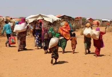 Sfollati e affamati, sintesi delle crisi socioambientali nel mondo
