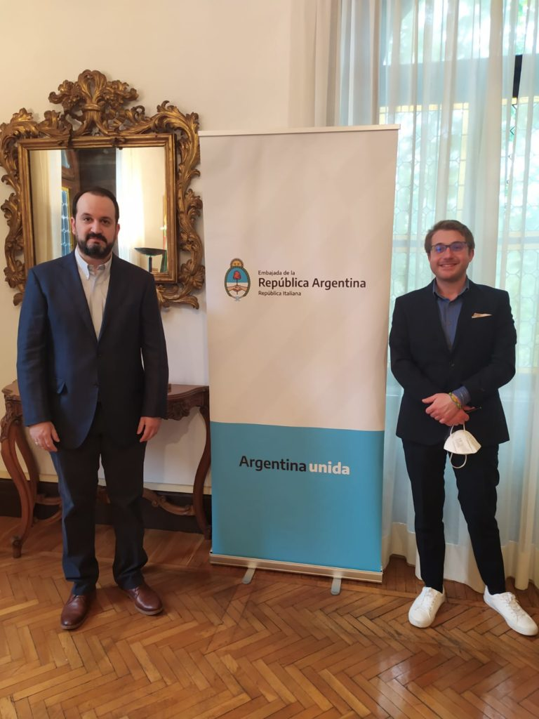 L'incontro a Roma tra l'Ambasciatore Carlés e Michele Ramadori per la redazione di Voci Globali