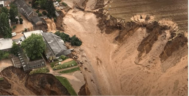 Inondazioni in Germania luglio 2021 - Foto da video The Guardian