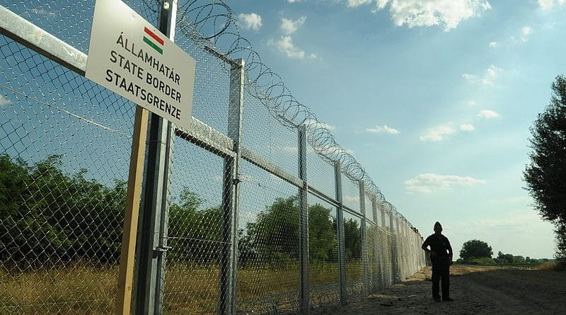 Barriera di confine Ungheria-Serbia, Wikimedia Commons