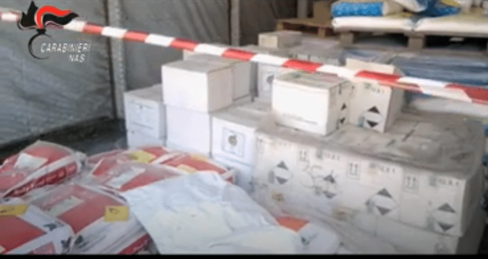 Pesticidi illegali sequestrati in Italia - Foto da video Europol